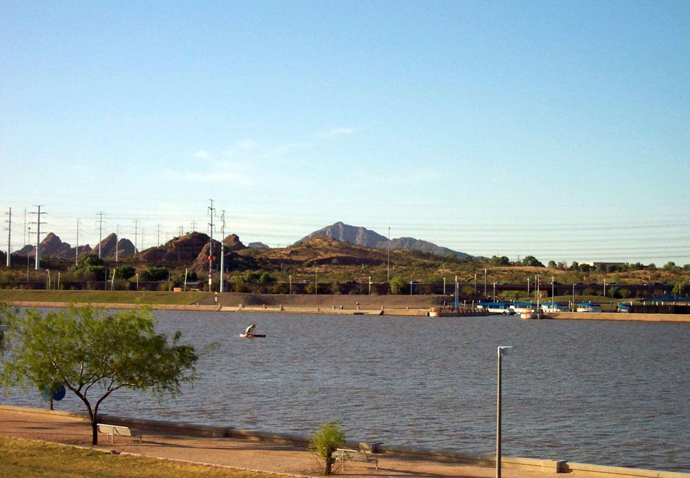 Arizona boathouse welcome center at tempe town lake for Tempe town lake fishing